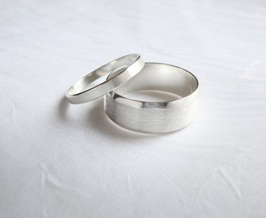 Matching Wedding Rings for the Bride and Groom