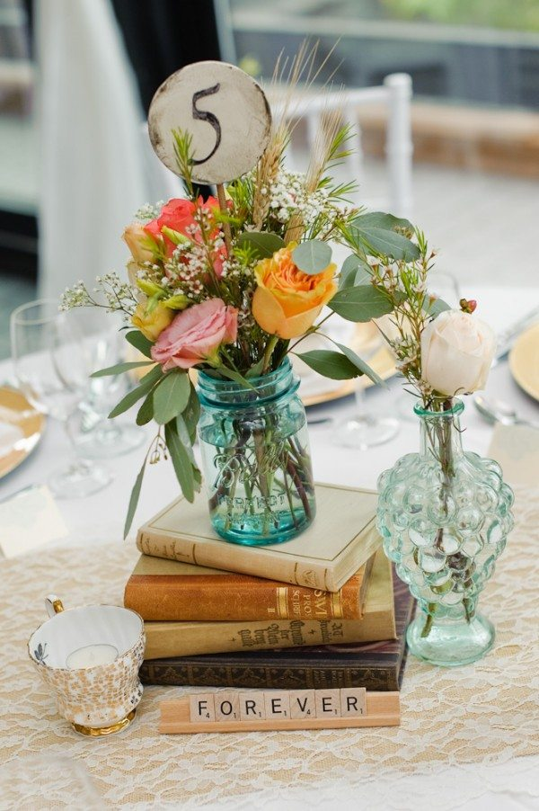 Vintage Table Decorations For Weddings Photograph | An Elega