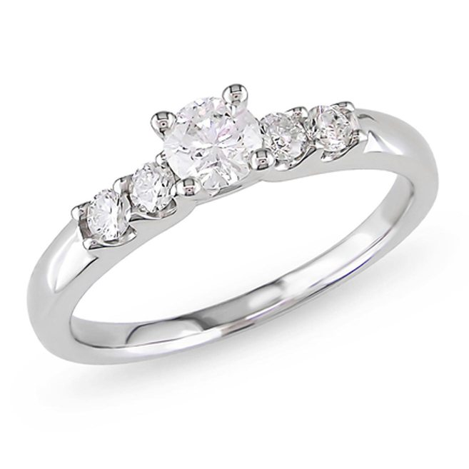 Classic Engagement Rings Any Girl Could Fall In Love With