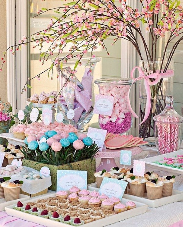 Bridal shower ideas the best decorations and desserts for Bridal shower table decorations