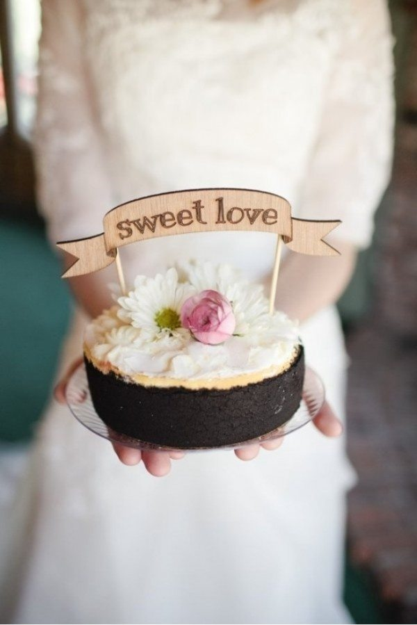 Love Images In Cake : Unique Single-Layer Wedding Cakes to Spice Up Your Dessert ...