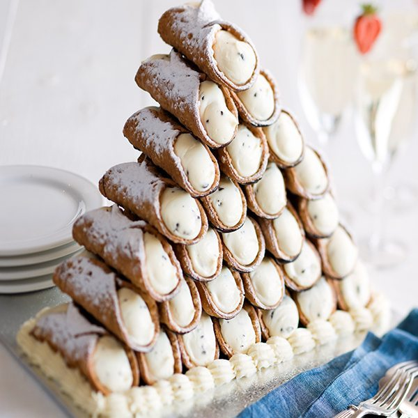 Italian Foods Near Me: 10 Awesome Alternatives To The Traditional Wedding Cake