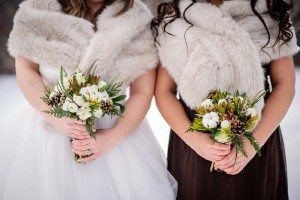 rustic winter shoot with woodsman details - bouquets