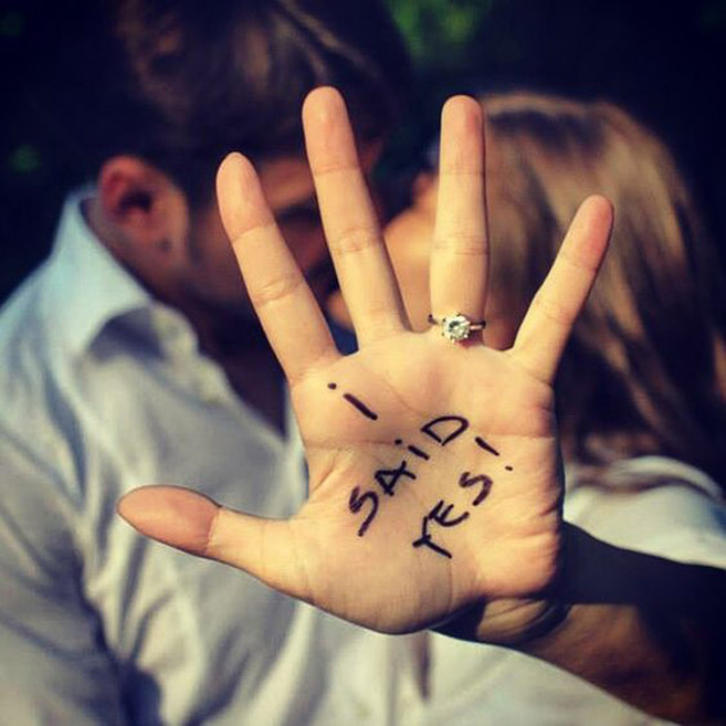 10 Creative Ways to Announce Your Engagement - Sharpie and Ring