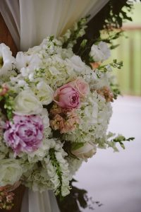 A Country-Chic Wedding in Montebello, Quebec - Flowers