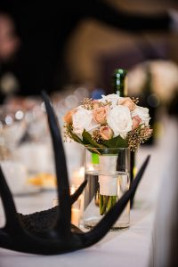 A Country Glam Wedding in Manitoba - Flowers