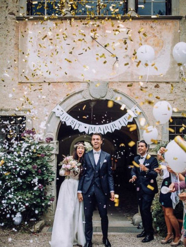 10 Epic Send-Off Photos That Don't Involve Rice - Confetti