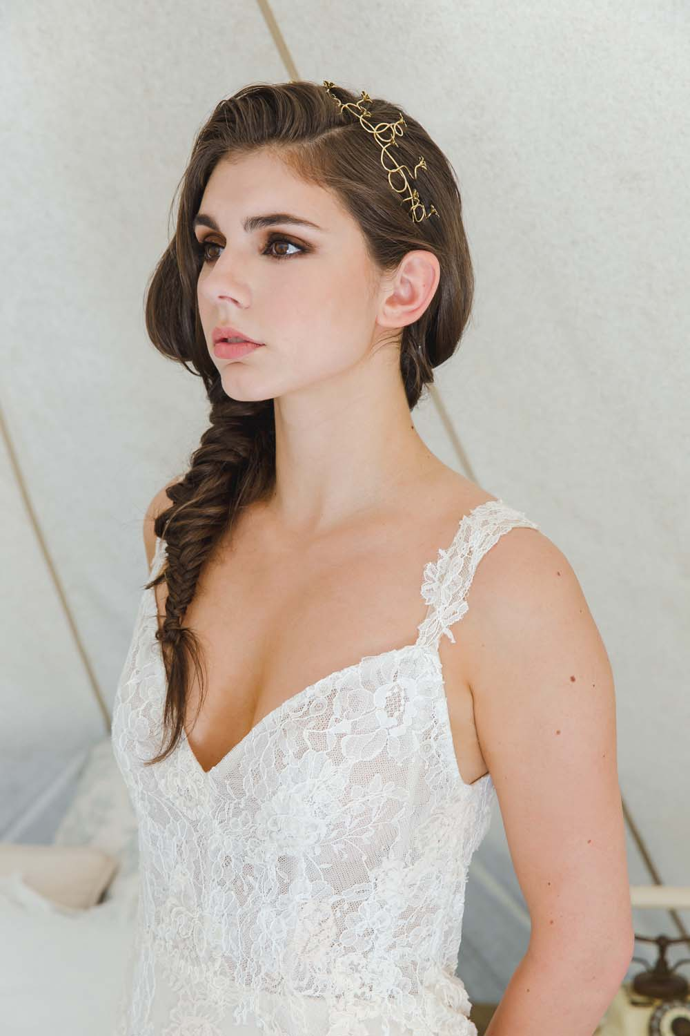 the prettiest ways to incorporate crowns into your bridal