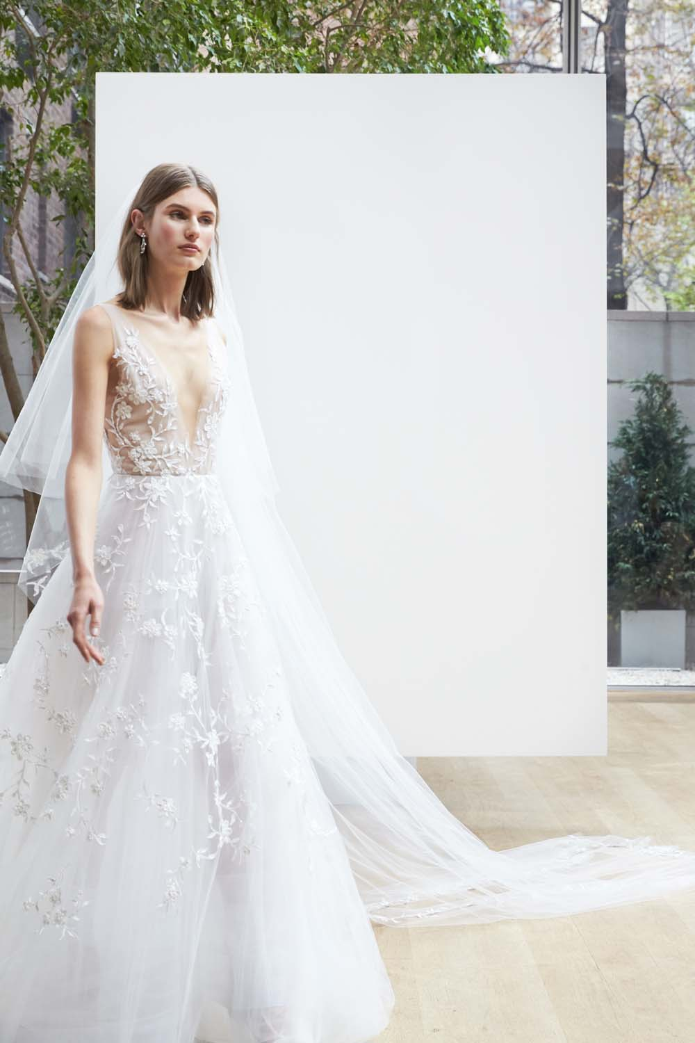 Oscar de la renta spring 2018 wedding dresses weddingbells junglespirit Choice Image
