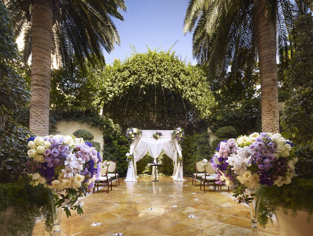 5 cool places to tie the knot in las vegas weddingbells junglespirit Image collections