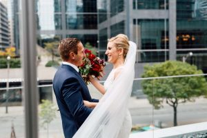 luxurious fall wedding in downtown toronto - first look