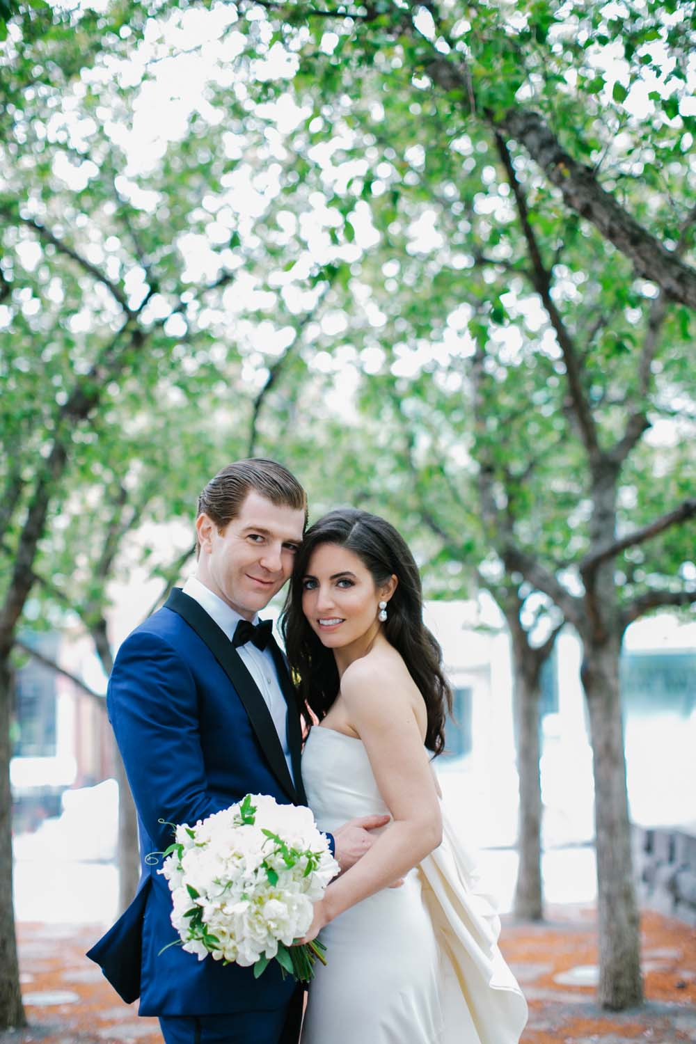 a sophisticated wedding in downtown toronto - bride and groom