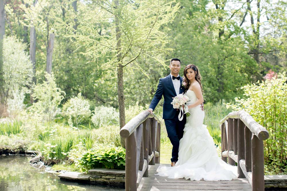 A classic elegant wedding in mississauga ontario weddingbells a classic elegant wedding in mississauga ontario bride and groom junglespirit Image collections
