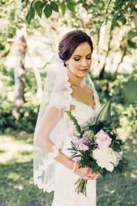 a gold wedding in saskatchewan - bride