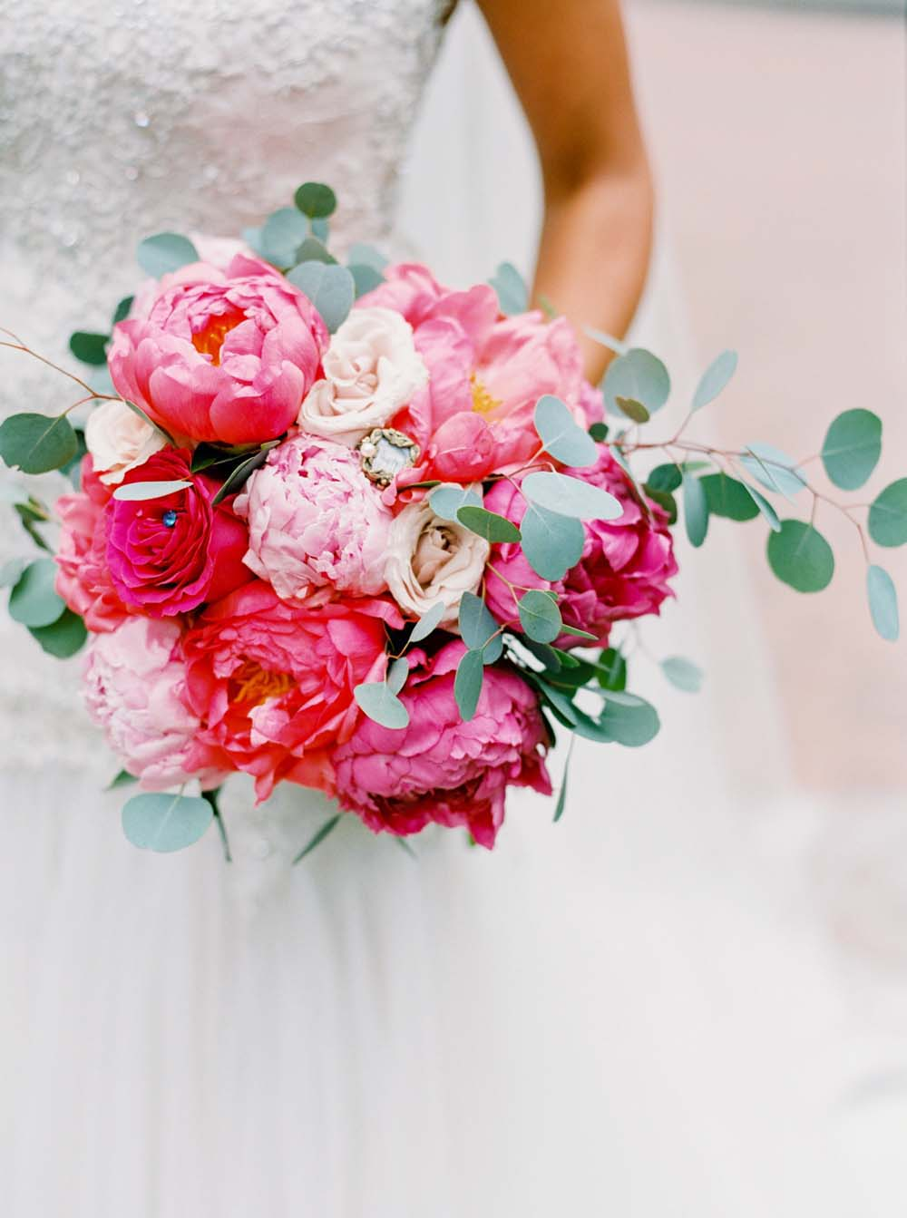 10 Stunning Spring Bouquets | Weddingbells