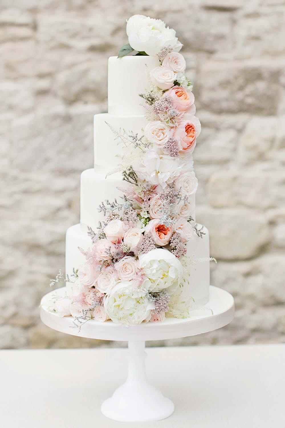 Fresh Flower Wedding Cakes That Could Rival Harry and Meghan\'s ...