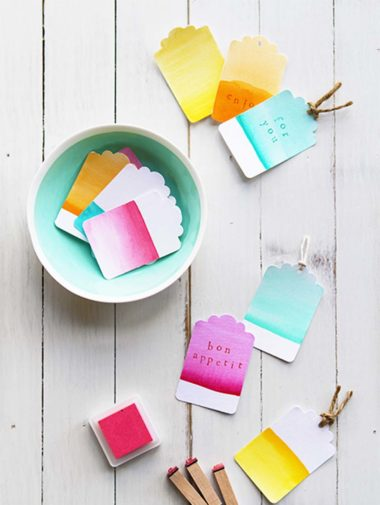 Chic DIY Projects Your Need to Have At Your Wedding - Watercolour tags