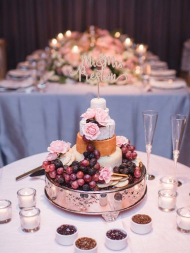 A Romantic Intimate Wedding in Vancouver - Cake