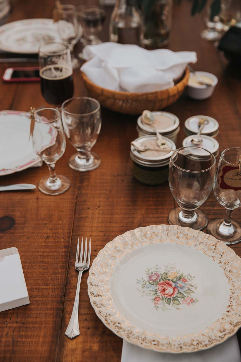 A magical fall wedding in Prince Edward County - Table details