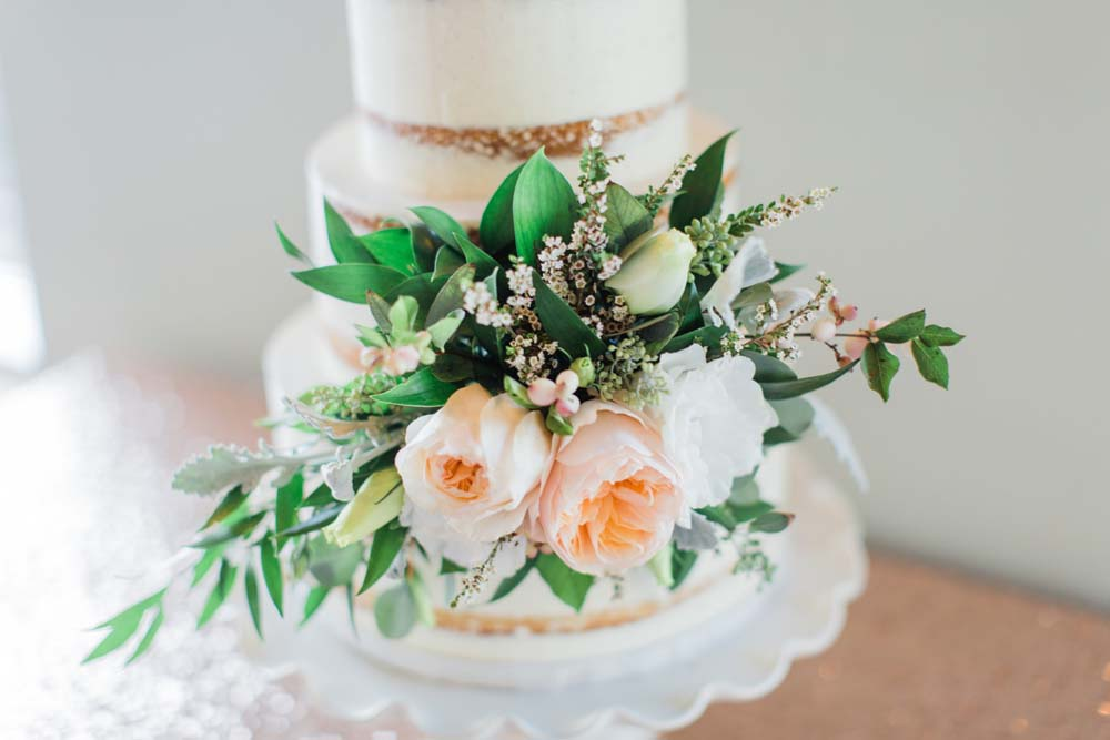 A Rustic, Whimsical Wedding in Tottenham - Cake details