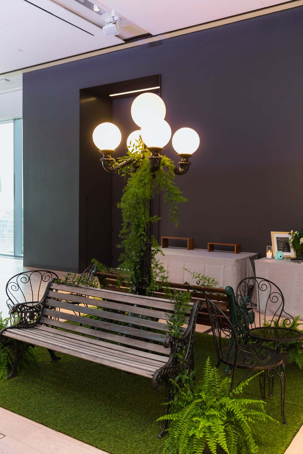 This Toronto Wedding Brings Nature to the City - Bench