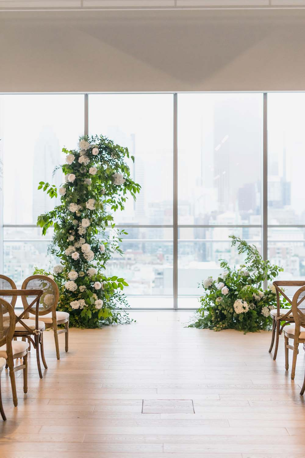 This Toronto Wedding Brings Nature to the City - Arch