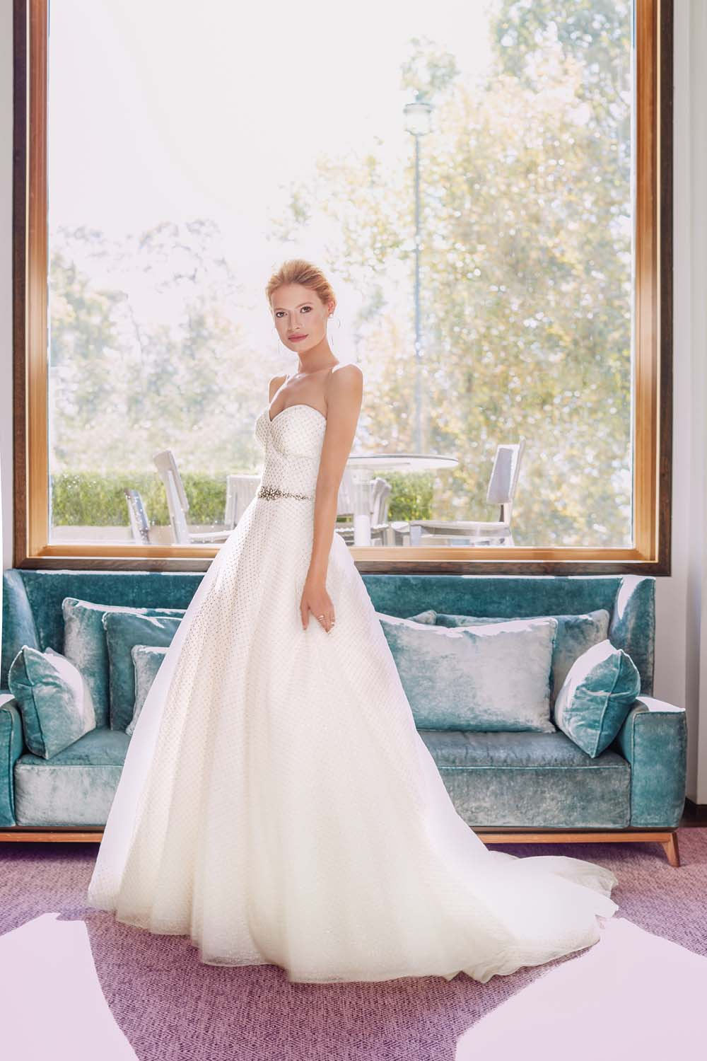 London Is The Perfect Backdrop For These Haute Bridal Gowns -