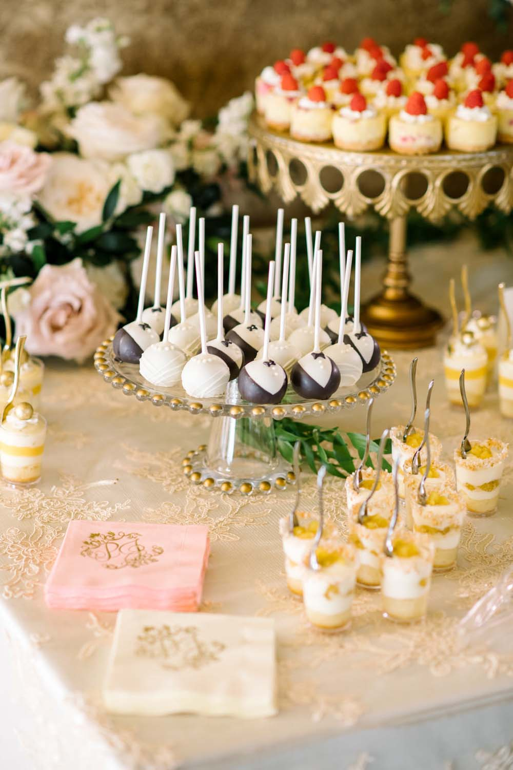 A Regal Fairytale Wedding in Banff, Alberta - Dessert