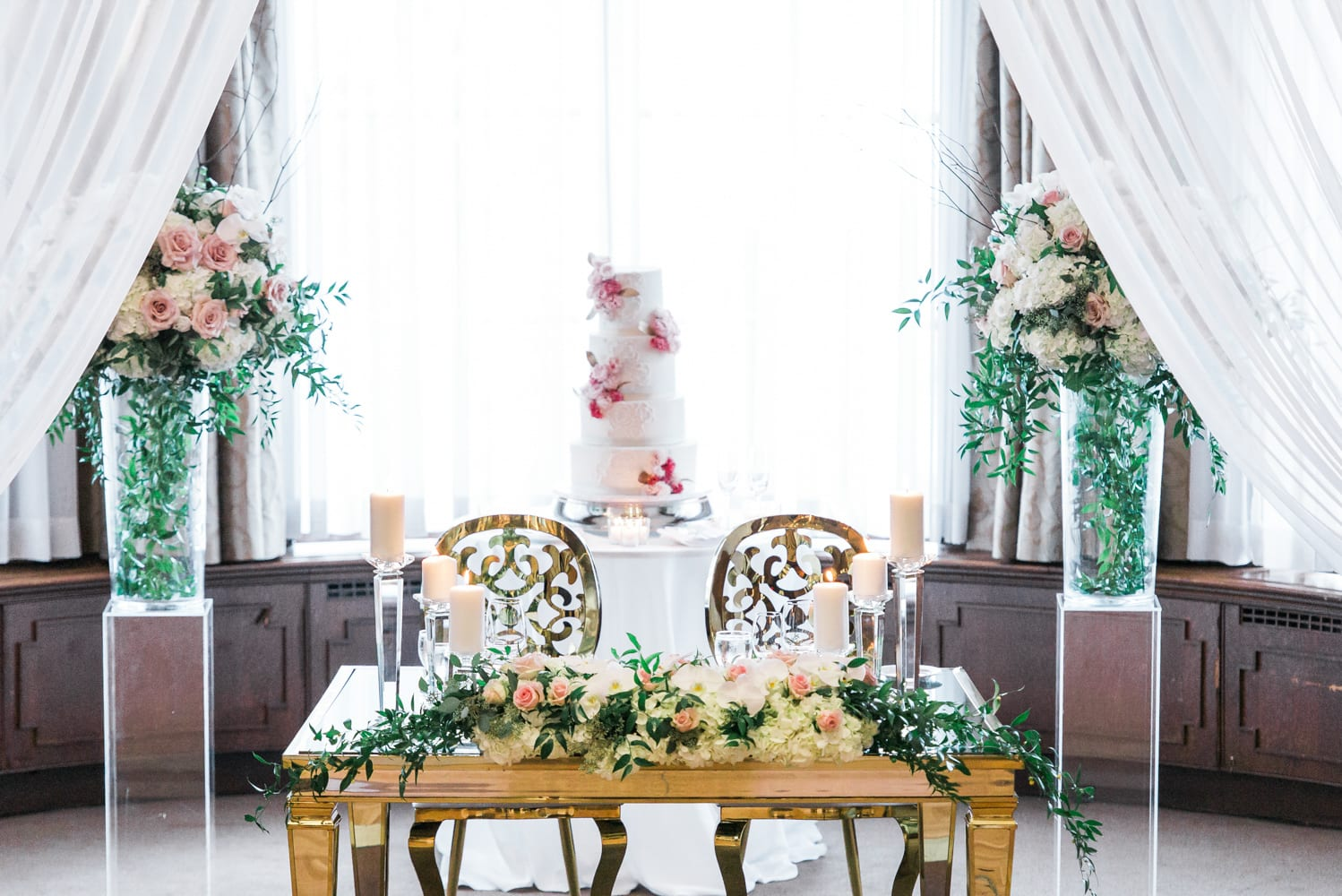 A Vintage Persian Wedding in Vancouver - Seats beside the cake