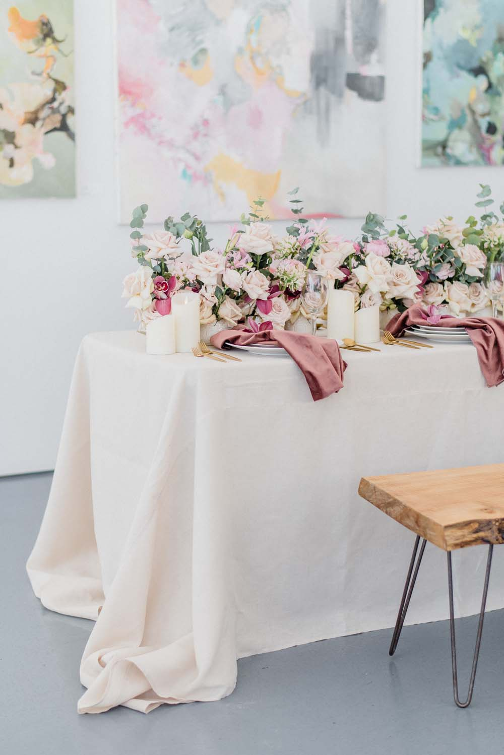 A Colourful Pink & Mauve Styled Shoot At The Art Gallery of Hamilton - Tablescape