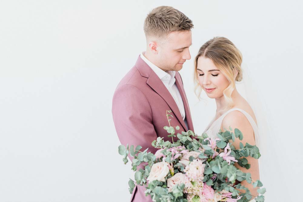 A Colourful Pink & Mauve Styled Shoot At The Art Gallery of Hamilton - couple