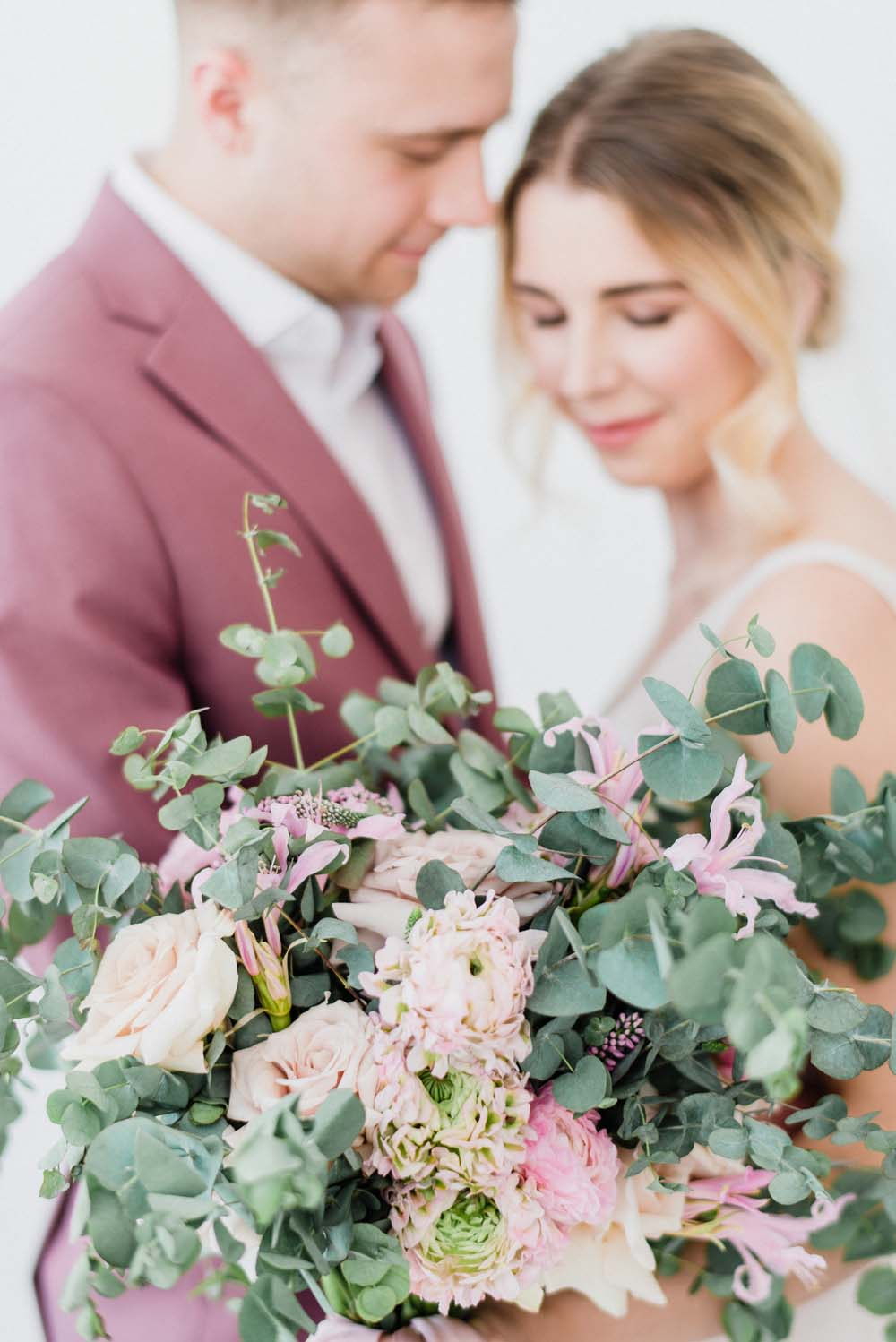 A Colourful Pink & Mauve Styled Shoot At The Art Gallery of Hamilton - floral