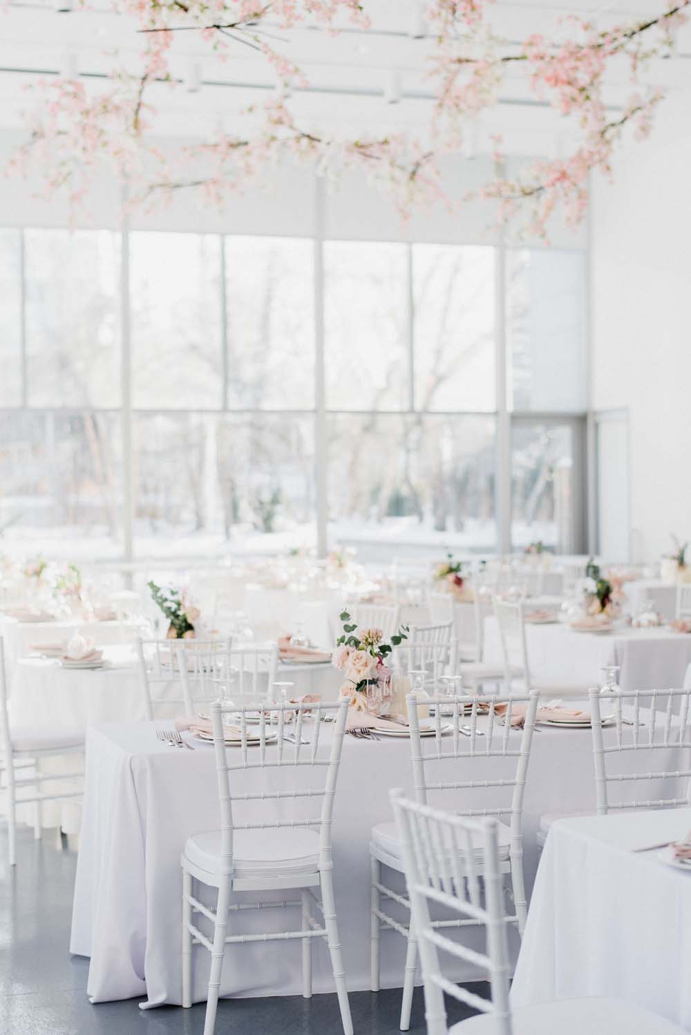A Colourful Pink & Mauve Styled Shoot At The Art Gallery of Hamilton - dining