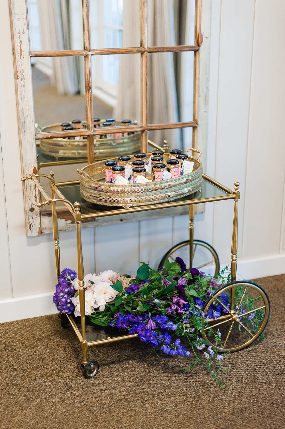An Ultra Violet-Inspired Styled Shoot In Quebec - Cart