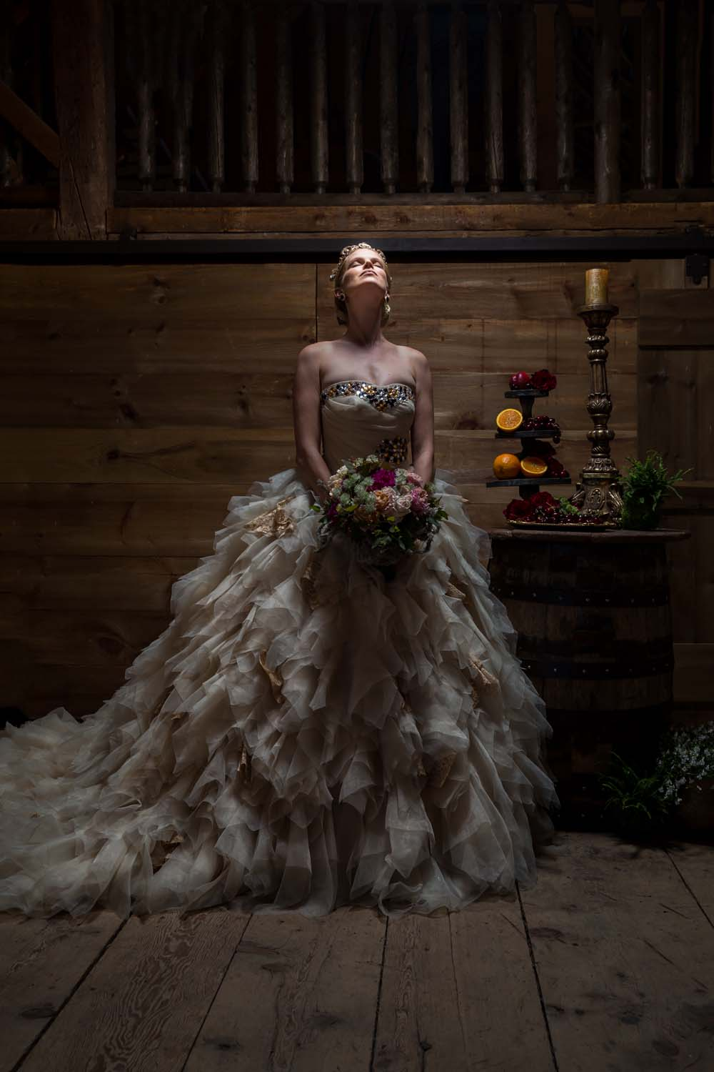 This Styled Shoot Was Inspired By Medieval Royalty - Upward gaze