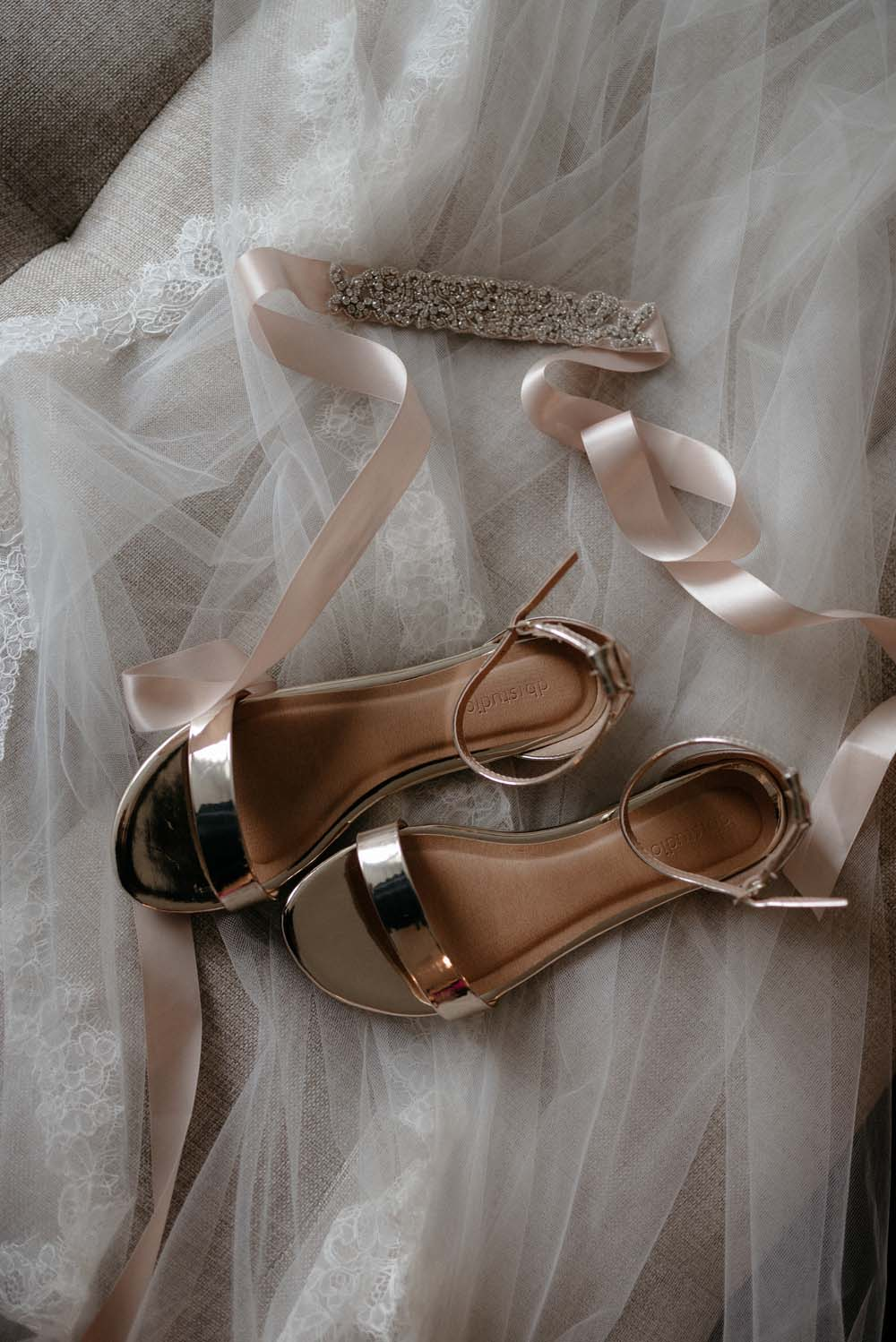 A Multicultural Wedding At The UBC Botanical Garden in Vancouver - bridal accessories