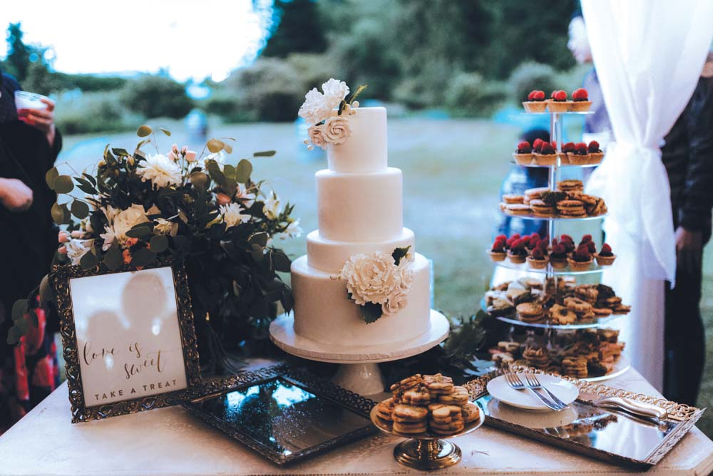 A Multicultural Wedding At The UBC Botanical Garden in Vancouver - sweet table