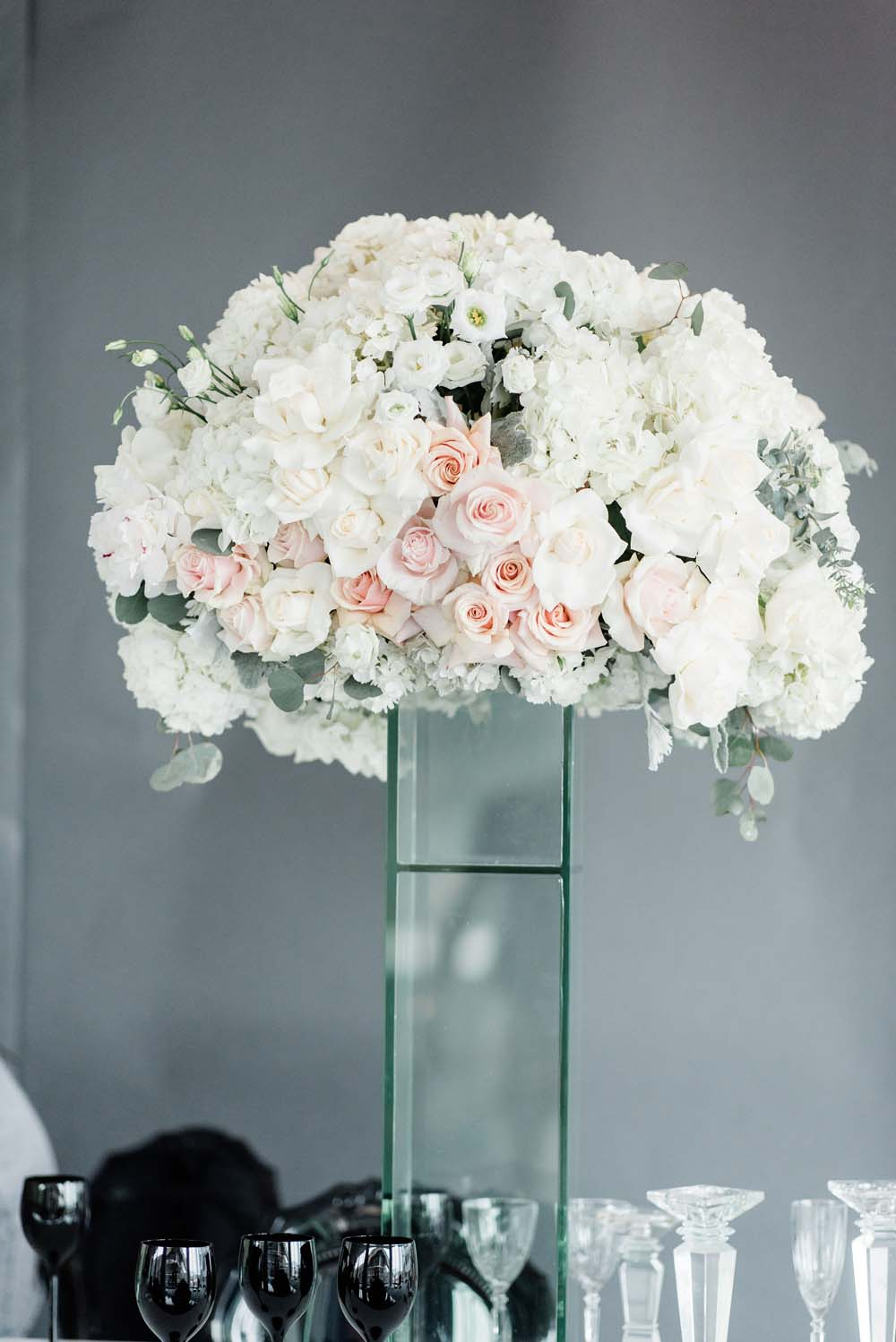 A Sophisticated Black and White Wedding Styled Shoot